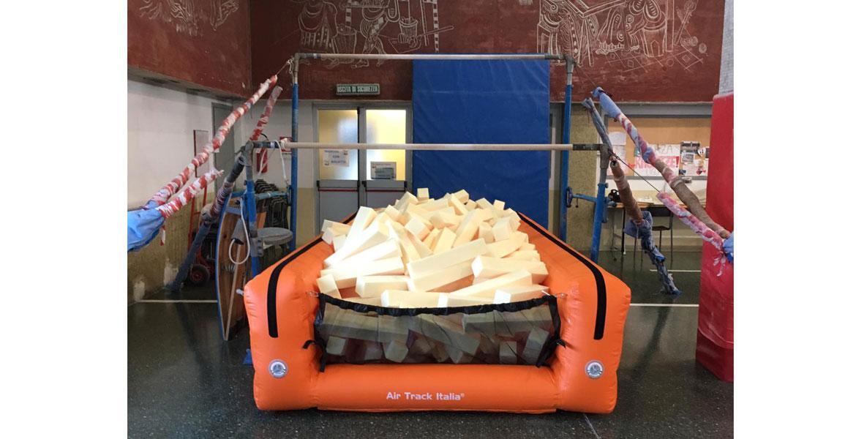 UPIT Foam sotto le parallele | Buche UPIT Air Track Italia®